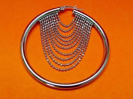 """Afbeelding van """"Diamant geslepen kralen"""" Italiaanse creolen (large), oorbellen in sterling zilver met kettinkjes van diamant geslepen kralen"""