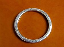 Picture of 32x32 mm, oversized connector ring, JBB findings, silver-plated pewter