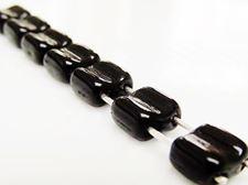 Image de 6x6 mm, carré, perles Silky, de verre tchèque, 2 trous, noir, opaque, luisant