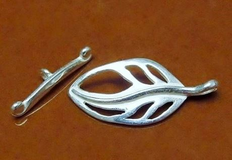 Picture of 26x11 mm, toggle clasp, cut-out leaf, JBB findings, silver-plated brass