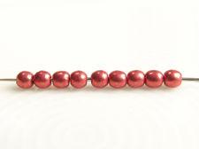 Image de 2x2 mm, rondes, perles de verre pressé tchèque, rouge samba, opaque, or suédé
