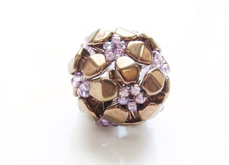 Stylized flower with Pinch bead